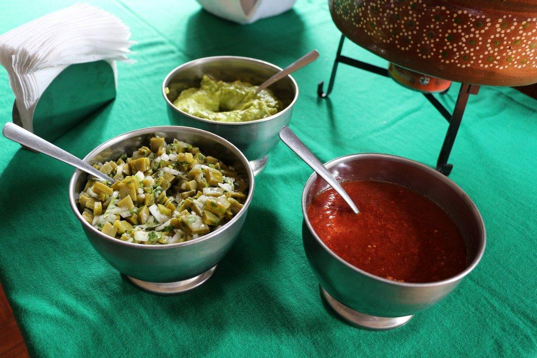 ¿Cuál salsa quieres? Foto: Alesita Ríos
